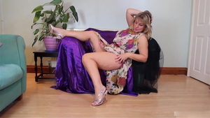 German Sophie Dee in the company of Sophie Lynx pissing