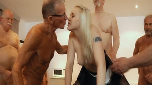 Erotic and big ass blonde Lola Taylor rough orgy in school