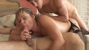 Cougar Kelly Leigh lusts hard nailining HD