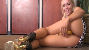 Solo Staci Carr babe super sexy flashing