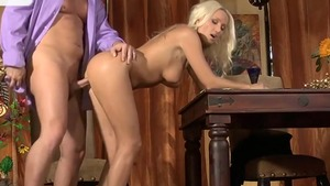 Blonde Diana Doll blowjobs
