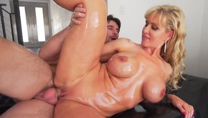 Busty babe Ryan Conner oil fucking