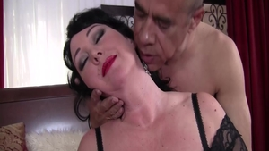 MILF Alexis Couture fucked all the way