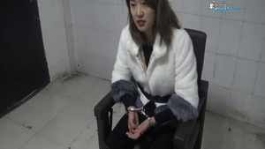 Very kinky chinese female goes for bondage