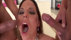 Simony Diamond feels like rough fucking in HD