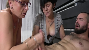 Loud sex in the company of young GILF