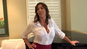 Super sexy stepmother Alexis Fawx rough sucking dick