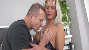 Pussy eating video escorted by big ass raw Kathy Anderson