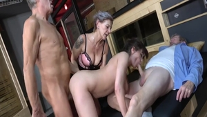 Pussy fucking in the company of super hot swinger