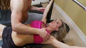Cougar Brandi Love drool in the gym