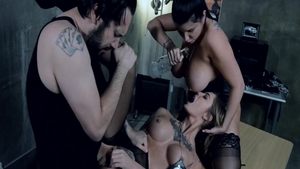 Experience hardcore sex with glamour chick Romi Rain