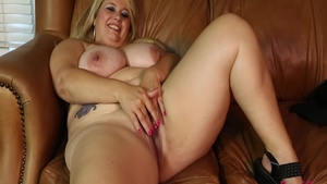 Pussy sex starring lustful amateur