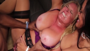Good fucking together with MILF Maxine X amongst Alexis Golden