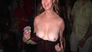 Passionate slut romantic pussy fuck at the party