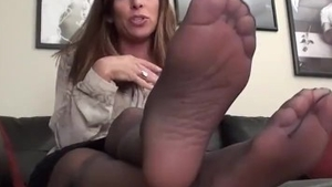 Feet licking accompanied by mature in stockings HD