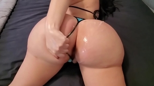 Fingering with very juicy pawg