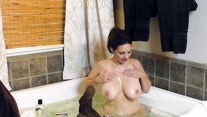Wet Mindi Mink helps with masturbating