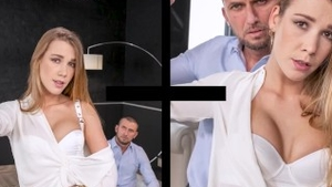 Pussy sex escorted by thick czech babe Alexis Crystal