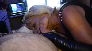 Dick sucking together with very sexy french queen Uma Jolie