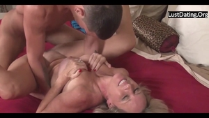 Horny MILF throat fuck HD