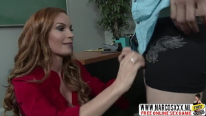 MILF Diamond Foxxx wishes for plowing hard in stockings in HD