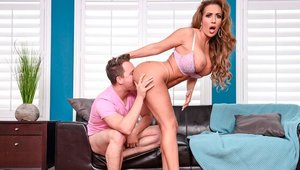Slamming hard alongside hairy mature Richelle Ryan