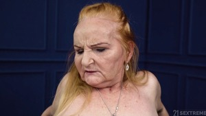 Shaved granny helps with slamming hard